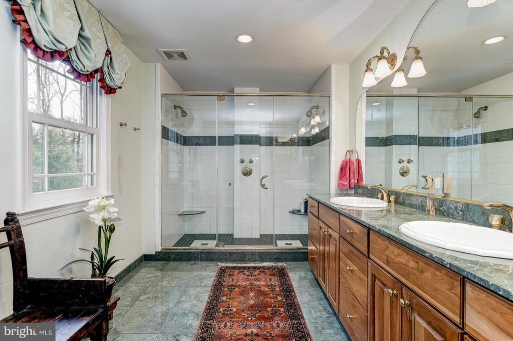 Master bathroom - 7608 ARROWOOD RD, BETHESDA