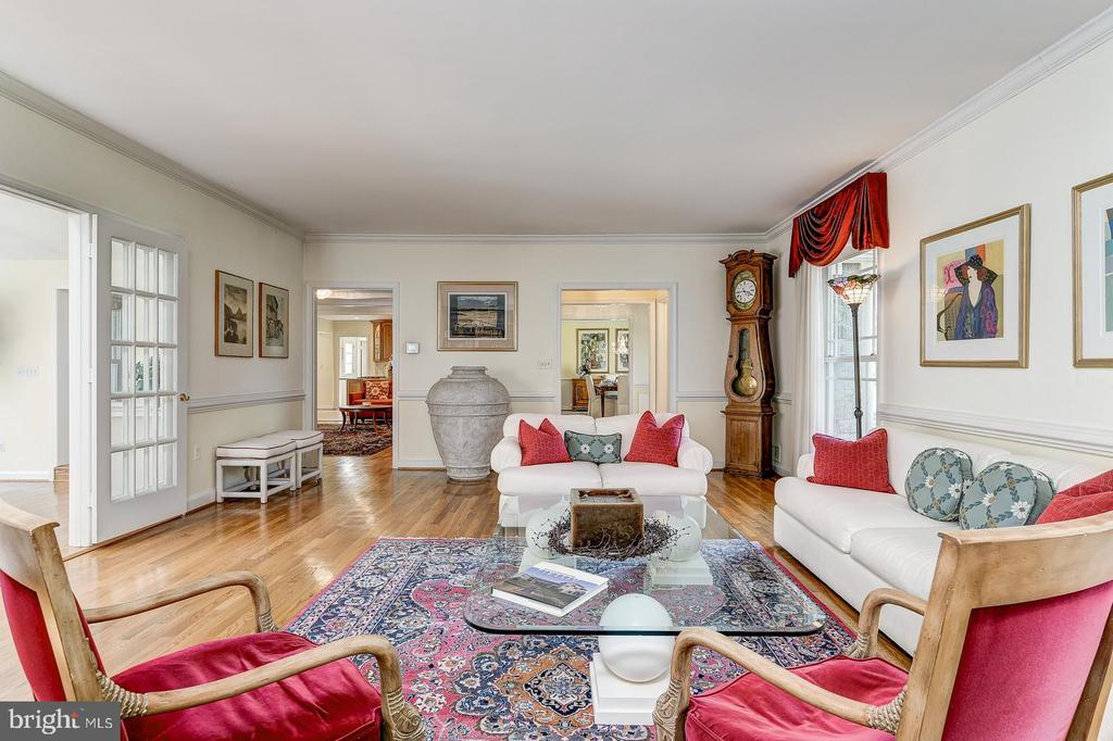 Living room open to Great room and family room - 7608 ARROWOOD RD, BETHESDA