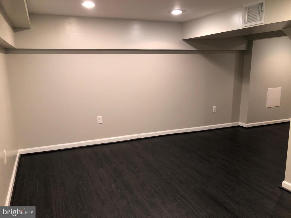 BASEMENT REC ROOM - RECESSED LIGHTS - 2809 63RD AVE, CHEVERLY