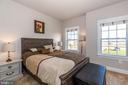 Split level bedroom layout. - 14515 FALCONAIRE PL, LEESBURG