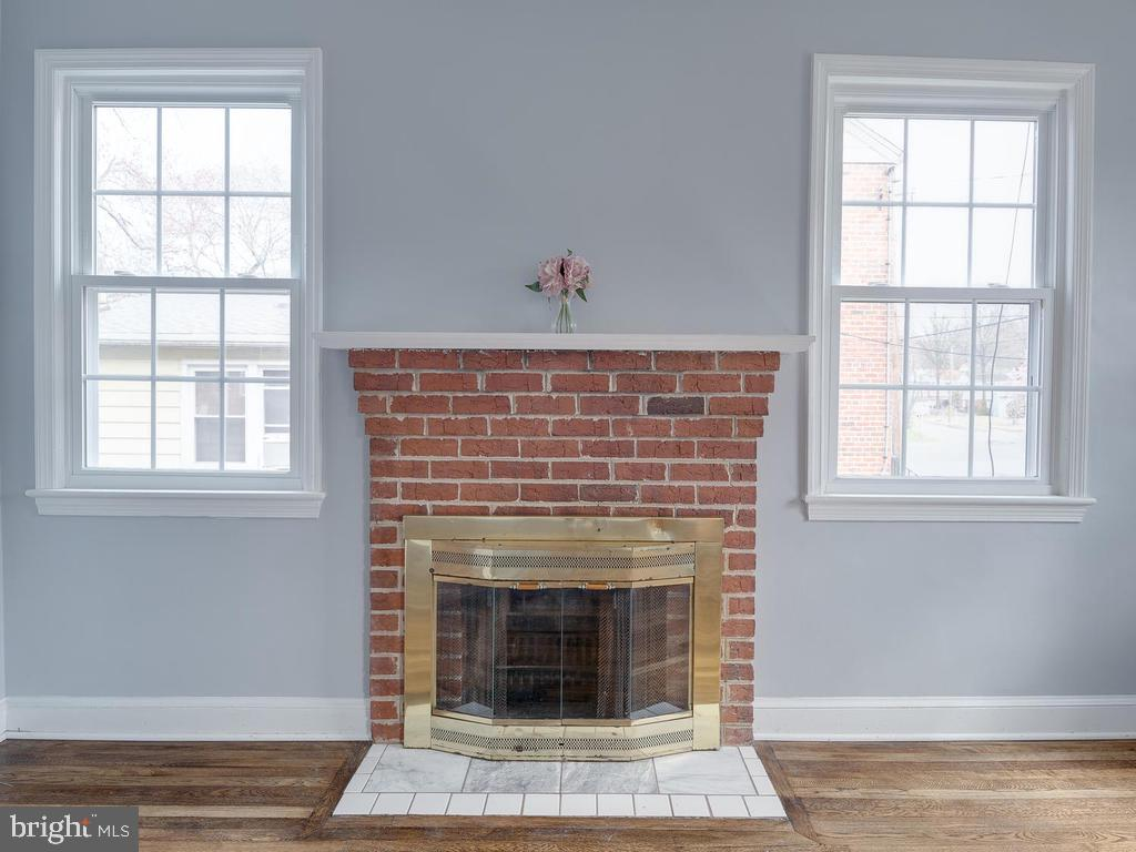 Fireplace - 4812 71ST AVE, HYATTSVILLE