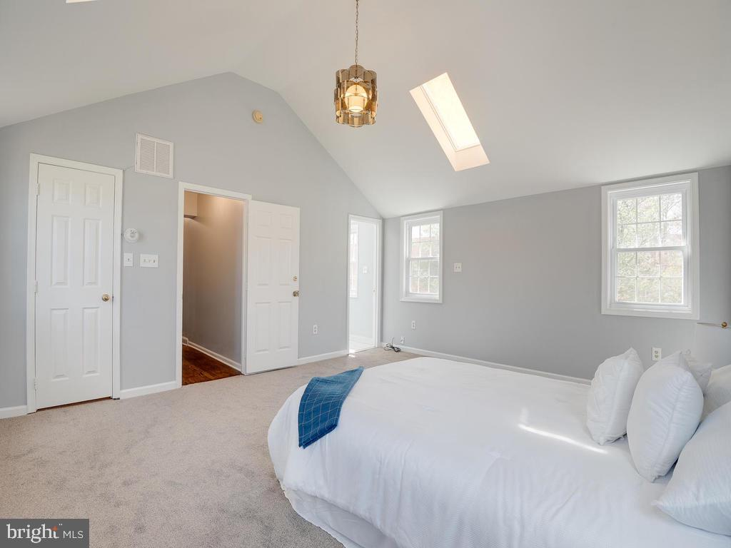 Upper-Level Master Bedroom - 4812 71ST AVE, HYATTSVILLE