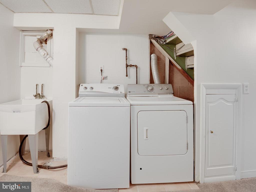 Laundry - 4812 71ST AVE, HYATTSVILLE