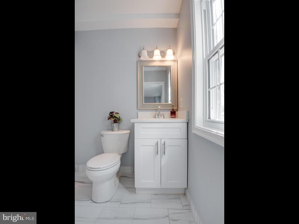 Main Level Master Bath - 4812 71ST AVE, HYATTSVILLE