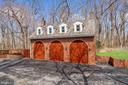 3 Car Carriage House w Apt/Full Kitchen Above - 12466 KONDRUP DR, FULTON