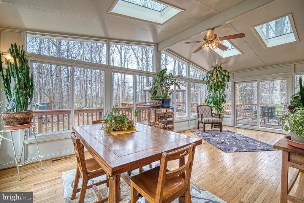 Enjoy the outdoors when~inside. - 12224 PINE PARK CT, FAIRFAX