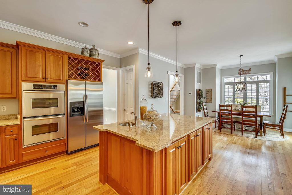 High End Stainless Appliances - 7731 OLDCHESTER RD, BETHESDA