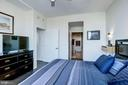 Tranquil master bedroom retreat - 3409 WILSON BLVD #602, ARLINGTON