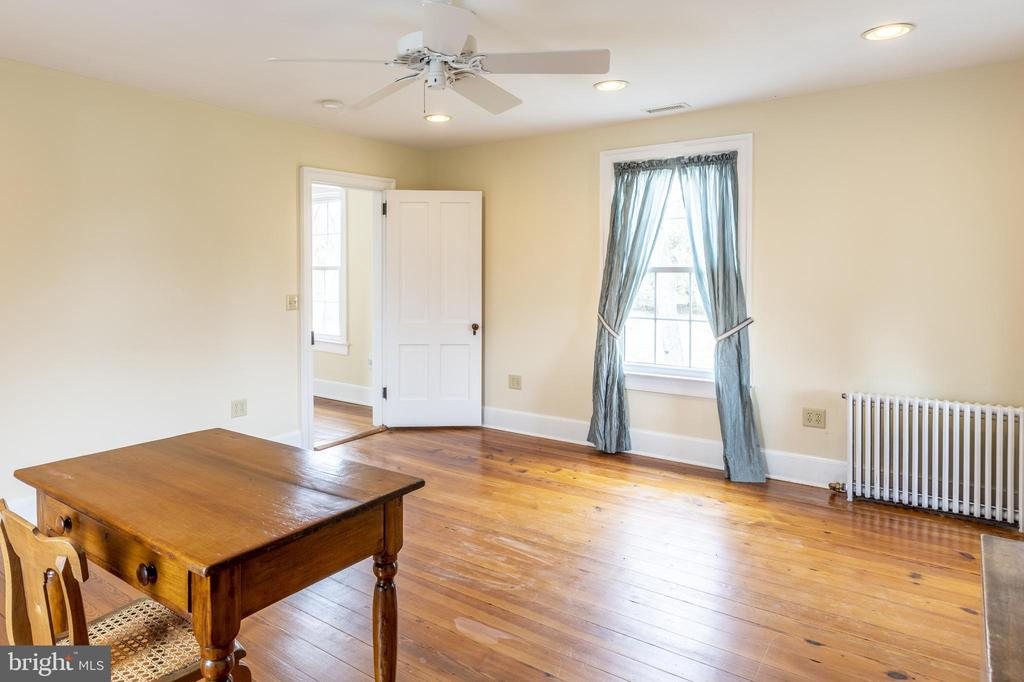 Bedroom #3 on second floor - 3374 TWYMANS MILL RD, ORANGE