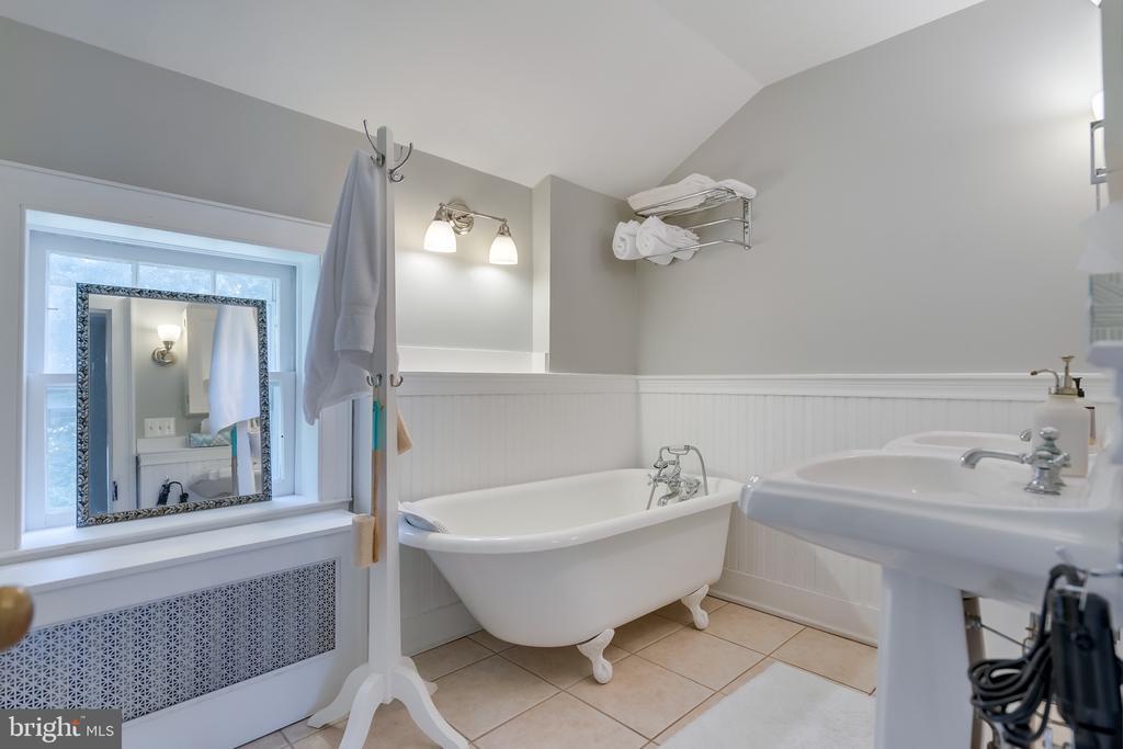 Renovated Bath - 308 KING ST, LEESBURG