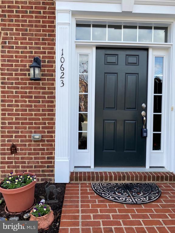 Front door - 10623 LEGACY LN, FAIRFAX