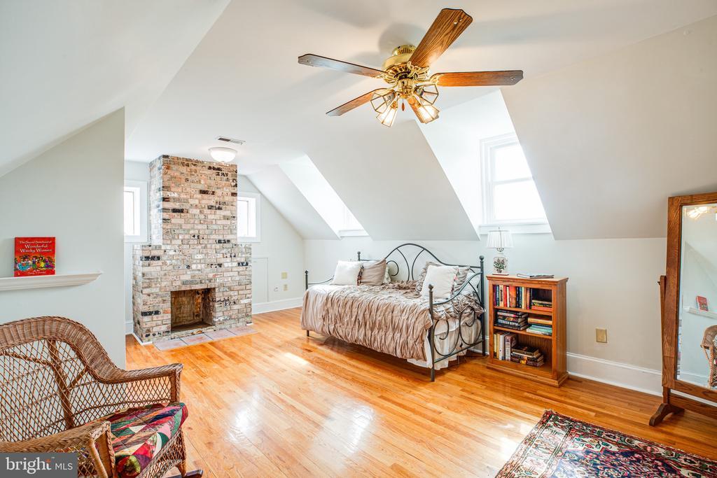 Bedroom 5 has dormer windows and a fireplace - 504 POPLAR RD, FREDERICKSBURG
