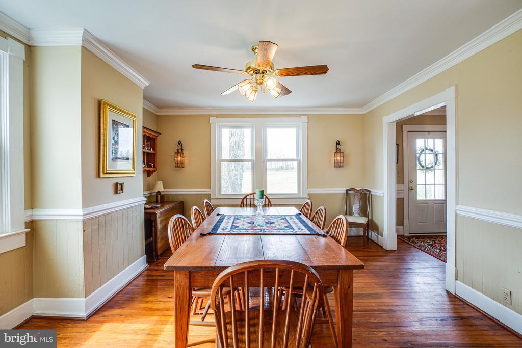 Dining room has sunny front windows - 504 POPLAR RD, FREDERICKSBURG