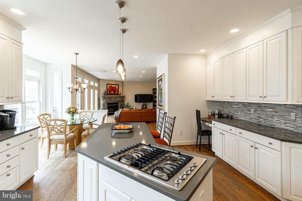 Gourmet Kitchen w/Desk Area Open to Family Room - 7000 FAWN TRAIL CT, BETHESDA