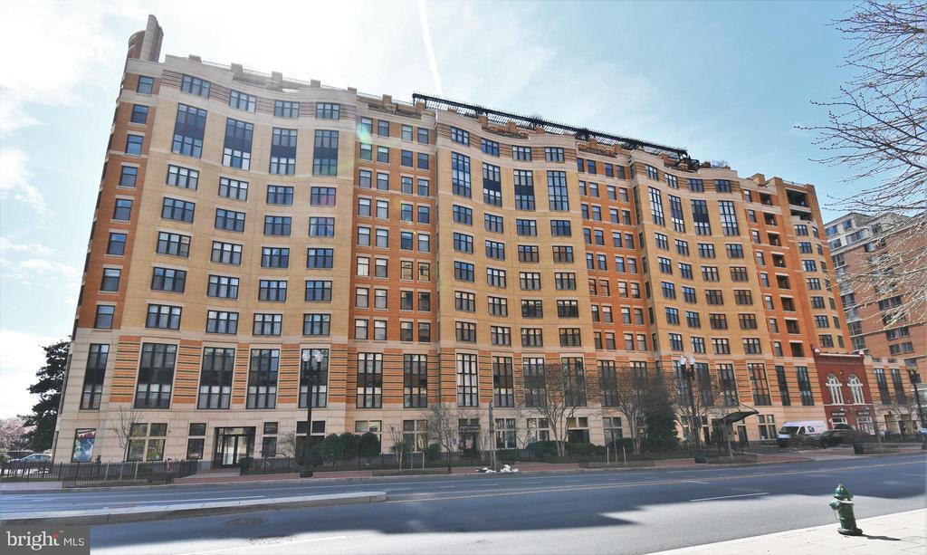 Building - 400 MASSACHUSETTS AVE NW #1007, WASHINGTON