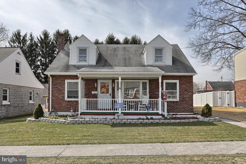 Single Family Homes για την Πώληση στο 31 WILLOW Avenue Cleona, Πενσιλβανια 17042 Ηνωμένες Πολιτείες