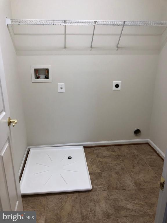 Laundry Room (Upper Level) - 14042 BLUE VIEW CT, LEESBURG