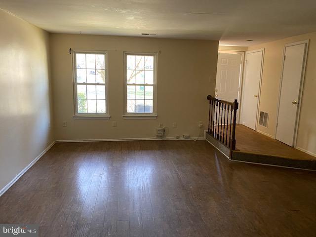 Living Room - 14622 MONMOUTH DR #12-125, BURTONSVILLE
