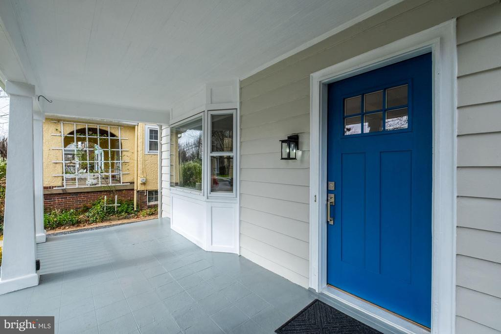 Wonderful Front Porch - 5440 NEBRASKA AVE NW, WASHINGTON