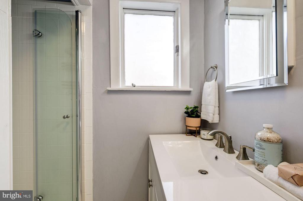 Owner Suite Bathroom - 5440 NEBRASKA AVE NW, WASHINGTON