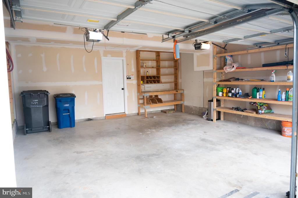 2 Car Garage - 1689 WINTERWOOD CT, HERNDON