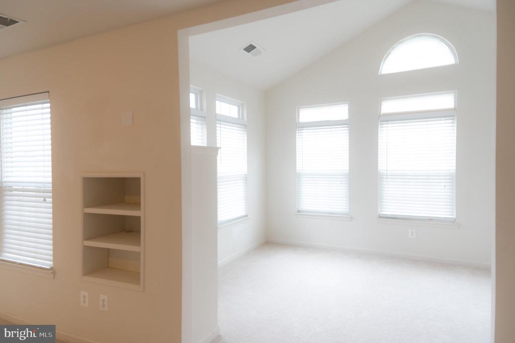 Master Bedroom - Sitting Room - 1689 WINTERWOOD CT, HERNDON