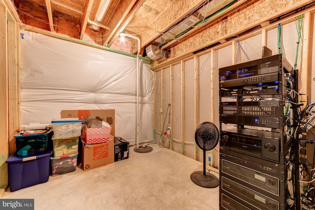 Utility/storage room - 6204 BERNARD AVE, ALEXANDRIA