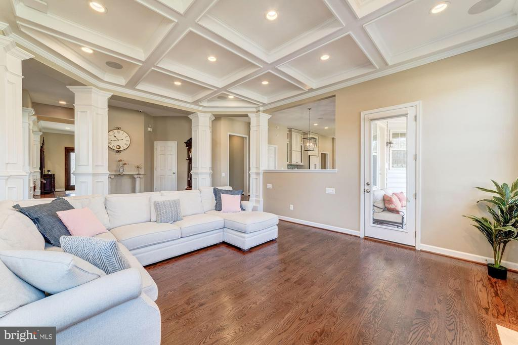 Large family room with coffered ceilings - 6204 BERNARD AVE, ALEXANDRIA