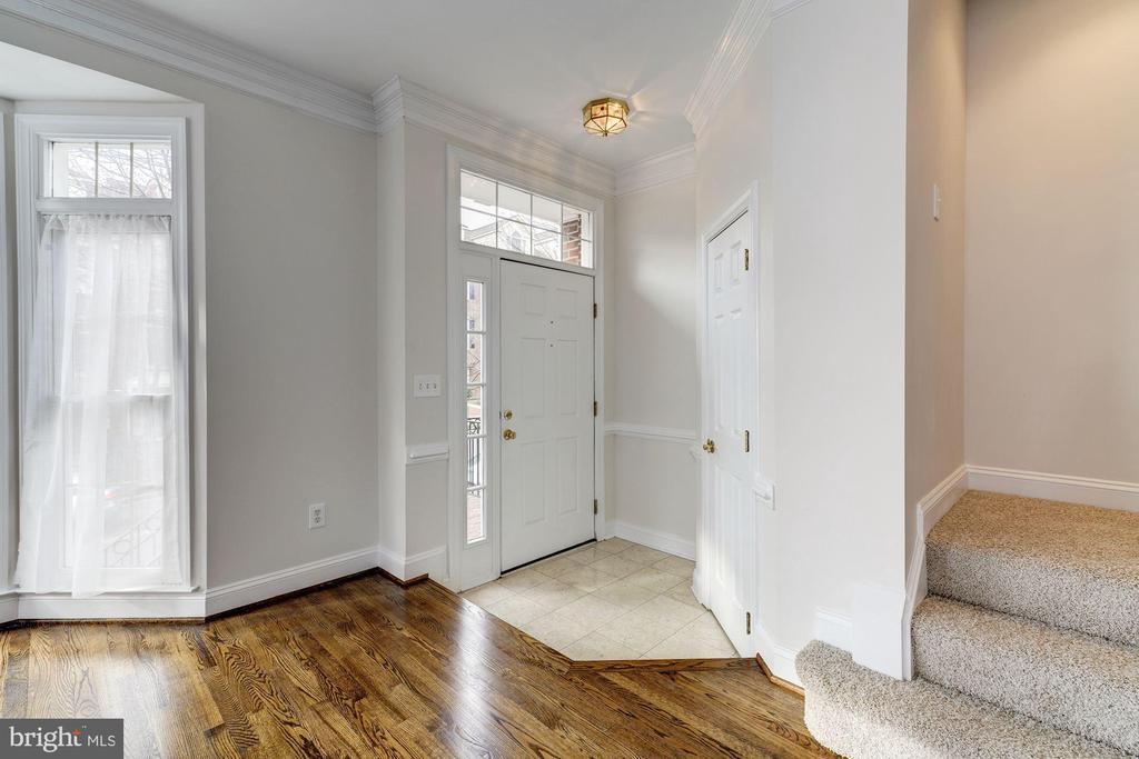 Entrance Foyer - 1501 22ND ST N, ARLINGTON