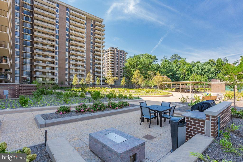 Grounds - 1800 OLD MEADOW RD #1106, MCLEAN