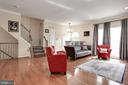 Excellent natural light - 8110 MADRILLON SPRINGS LN, VIENNA
