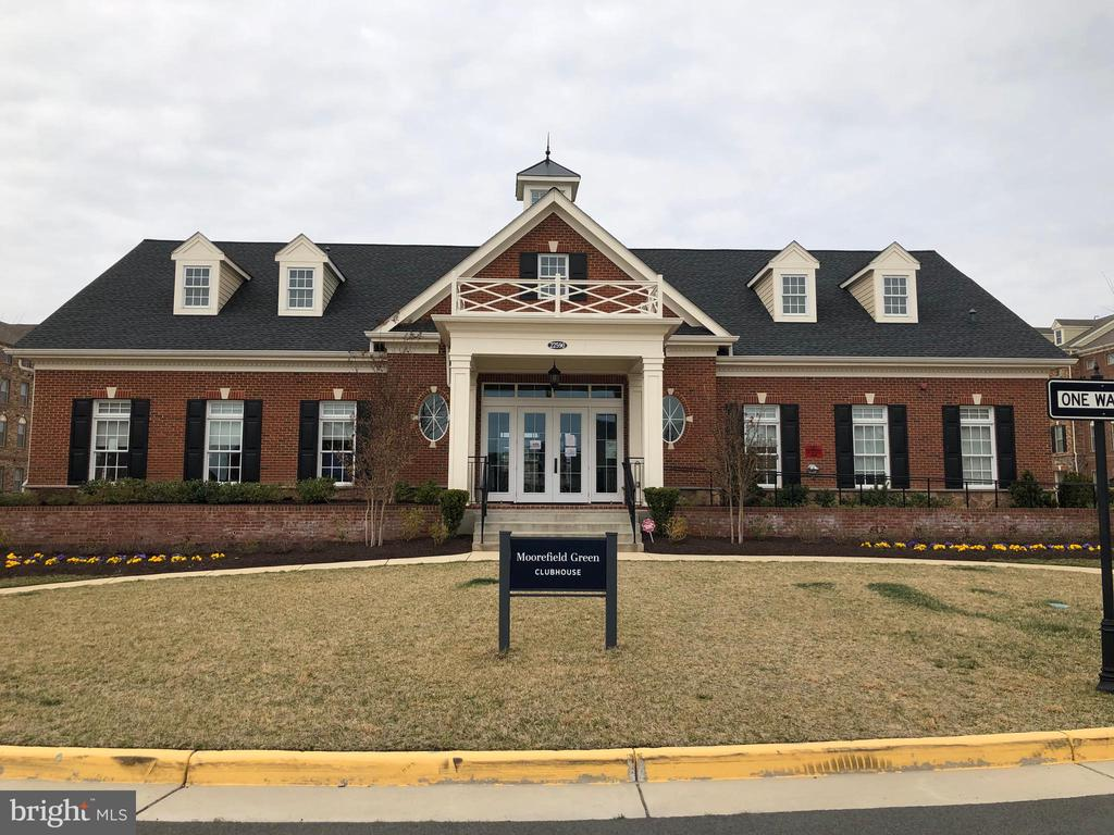 Moorefield Station Clubhouse - 22632 CAMBRIDGEPORT SQ, ASHBURN