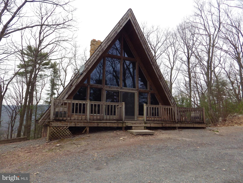 Single Family Homes για την Πώληση στο 240 VALLEY Road Hegins, Πενσιλβανια 17938 Ηνωμένες Πολιτείες