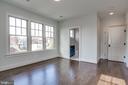 en suite bathroom off the second bedroom - 5010 25TH RD N, ARLINGTON