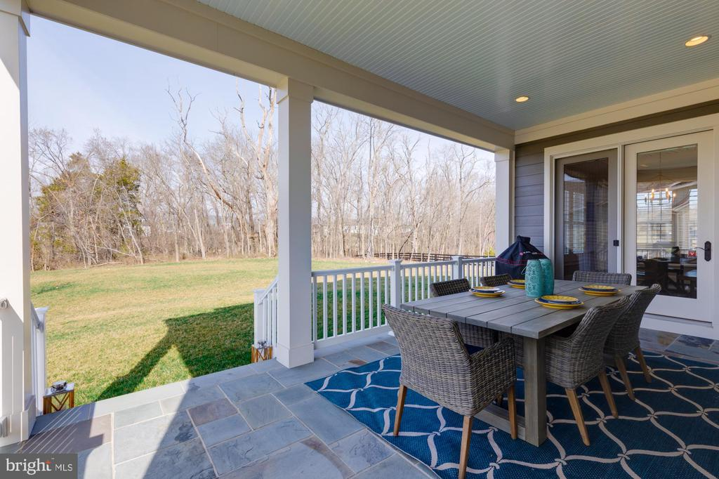 Perfect space to exhale and enjoy nature! - 23065 CHAMBOURCIN PL, ASHBURN