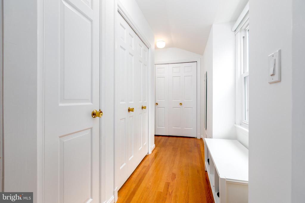 Third bedroom has plenty of closet space - 4311 TORCHLIGHT CIR, BETHESDA