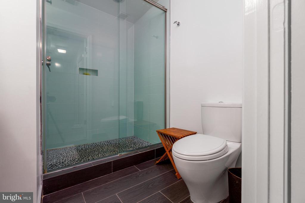 Lowe level bathroom - 4311 TORCHLIGHT CIR, BETHESDA