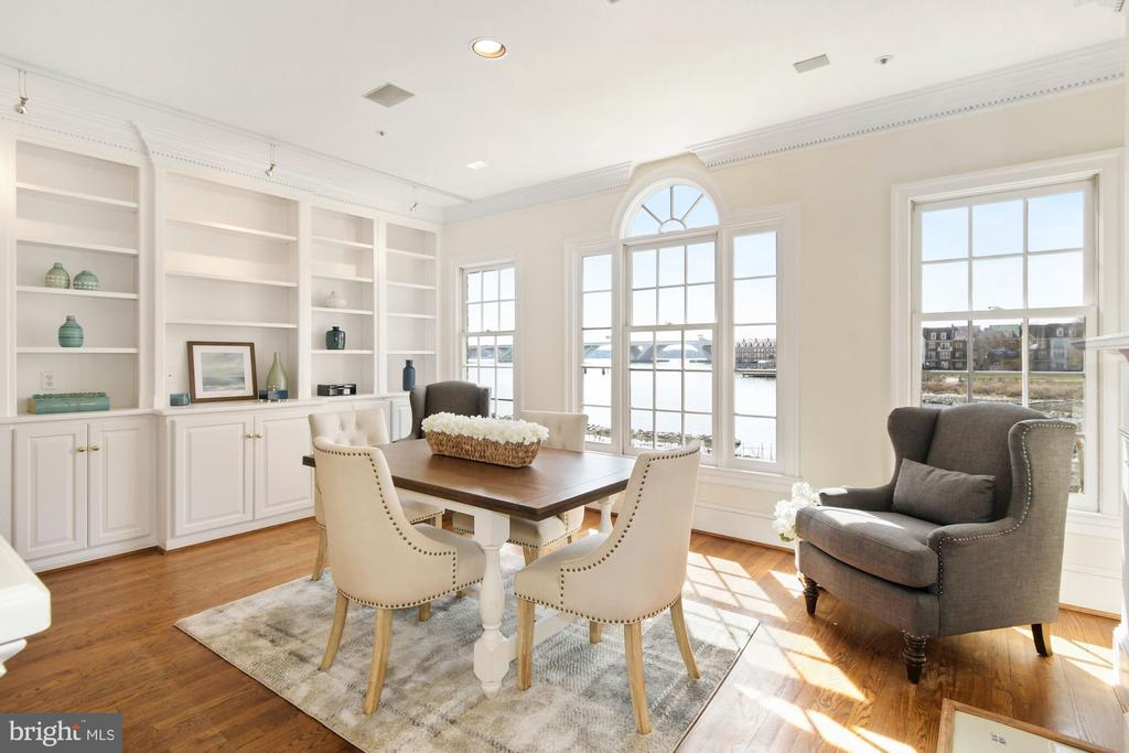A wall of custom-milled built-ins provide storage - 19 WILKES ST, ALEXANDRIA