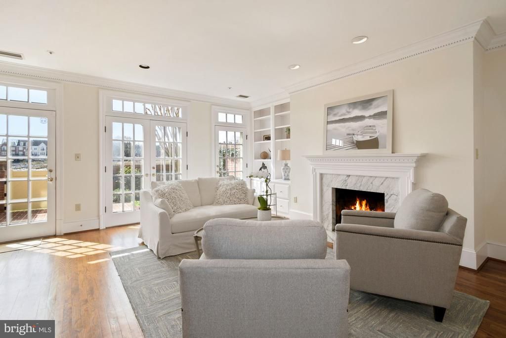 A wall of French doors floods the room with light - 19 WILKES ST, ALEXANDRIA