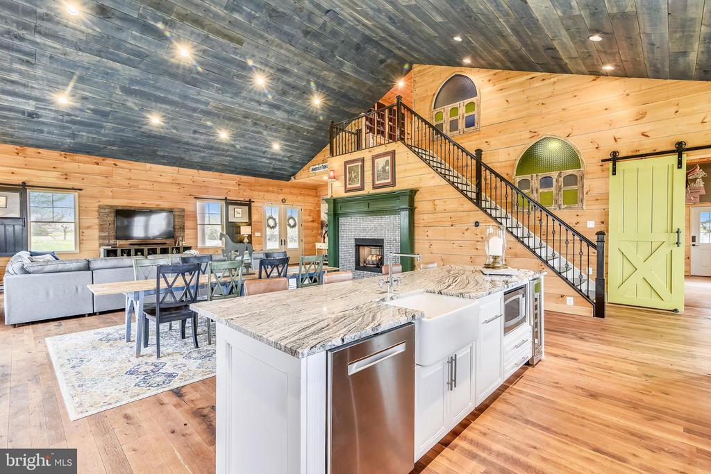 Main House Kitchen - 40325 CHARLES TOWN PIKE, HAMILTON