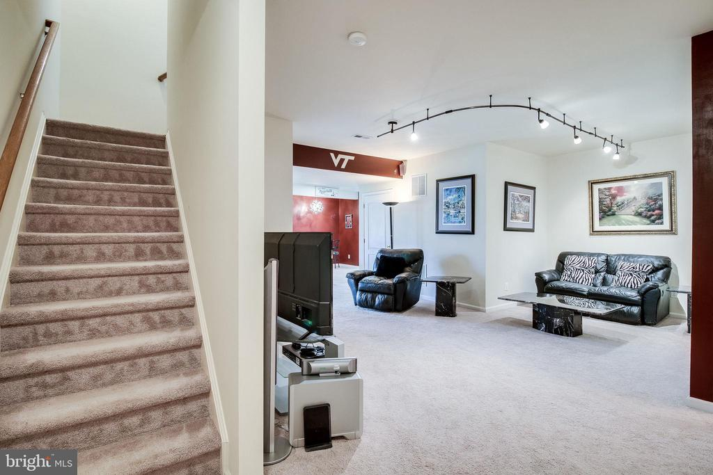 Basement stairs - 13451 GRAY VALLEY CT, CENTREVILLE