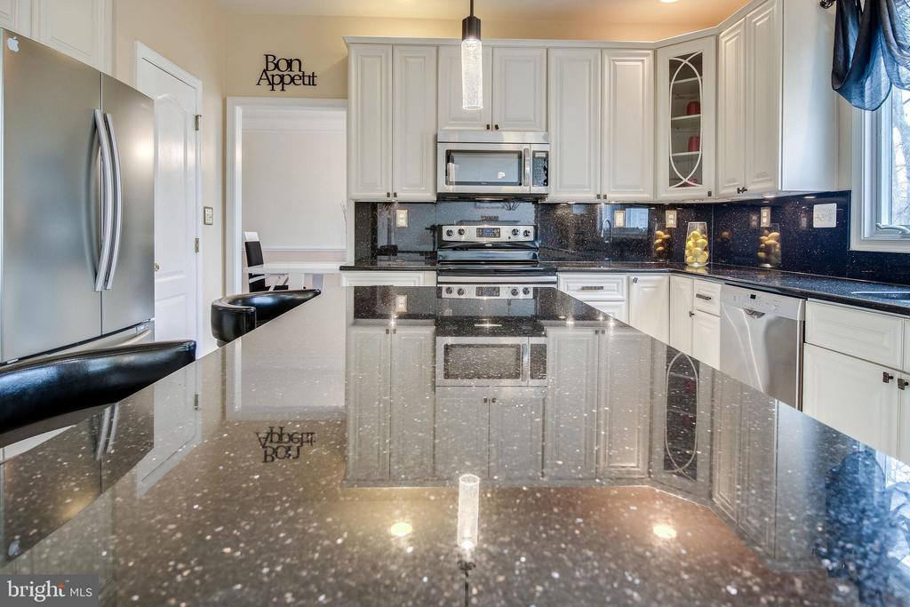 Large Island - 13451 GRAY VALLEY CT, CENTREVILLE