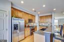 Kitchen newer stove - 147 HERNDON MILL CIR, HERNDON