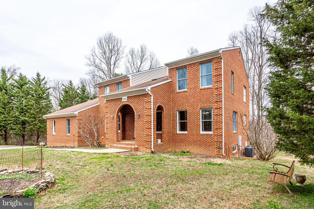 VIEW OF FRONT FACING FROM RIGHT ANGLE - 7365 BEECHWOOD DR, SPRINGFIELD
