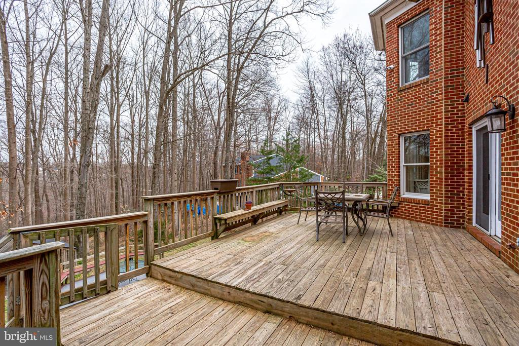 MAIN LEVEL DECK  -WITH STEPS LEADING TO PATIOS - 7365 BEECHWOOD DR, SPRINGFIELD
