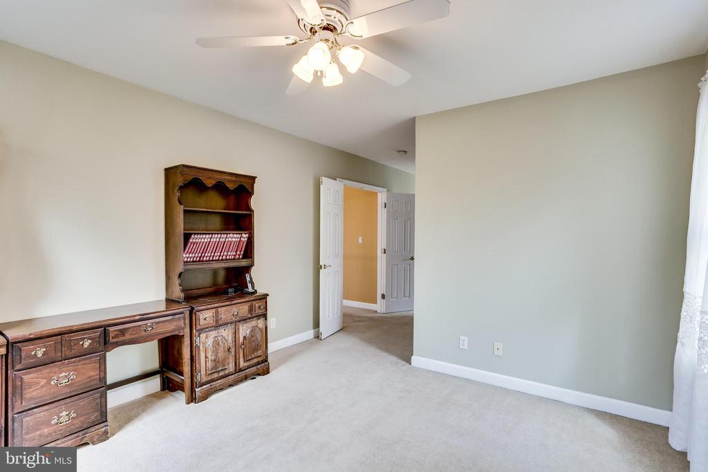 SITTING ROOM DOORWAY TO WALKWAY TO MASTER BEDROOM - 7365 BEECHWOOD DR, SPRINGFIELD