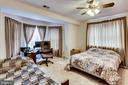 IN-LAW OR AU-PAIR BEDROOM - 7365 BEECHWOOD DR, SPRINGFIELD