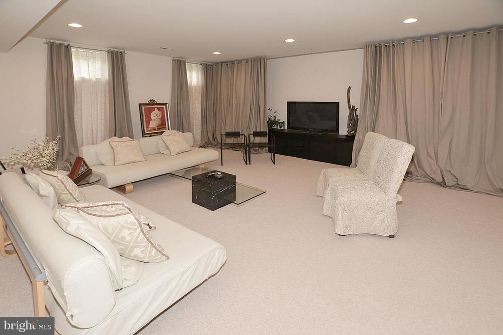 Media Room in Lower Level with Surrounding Systems - 2976 TROUSSEAU LN, OAKTON
