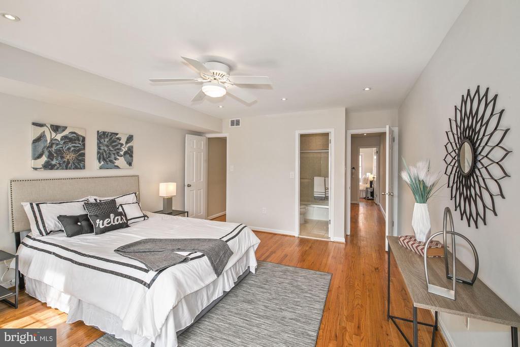 SPACIOUS Master Bedroom on 3rd level! - 3747 KANAWHA ST NW, WASHINGTON
