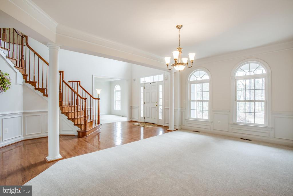 Gleaming wood floors, beautiful wood moldings - 7911 MADISON PLANTATION WAY, FREDERICKSBURG